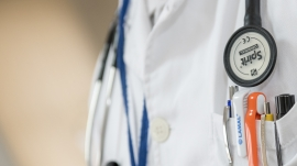 close-up-doctor-health-42273